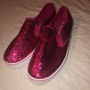 LIV AND MADDIE Size 6 Youth Shoes